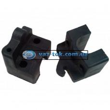 Кронштейн переднего сидения ВАЗ 2110 Пластик-Сызрань